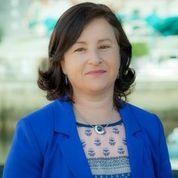 4. Dolores Gallego Santos. 54 anos. Mestra e Educadora Social. Actualmente traballa como mestra no CEIP A Rúa. Veciña de Coiro.